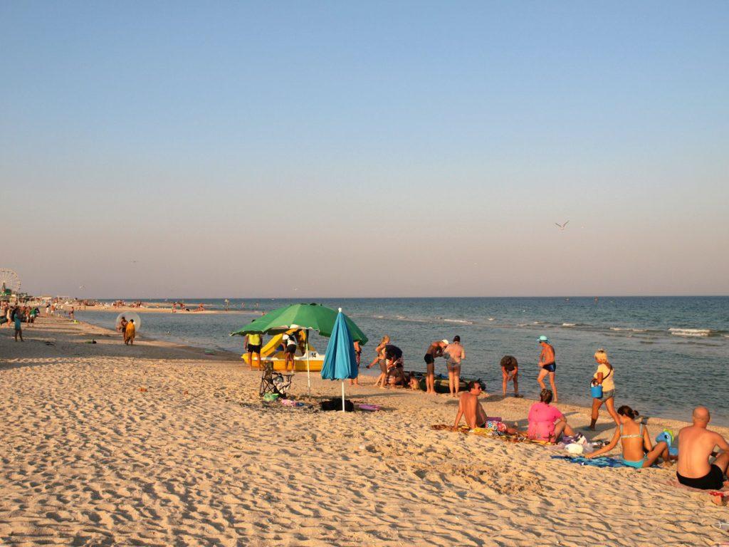 Пляж на Федотовой косе в начале косы