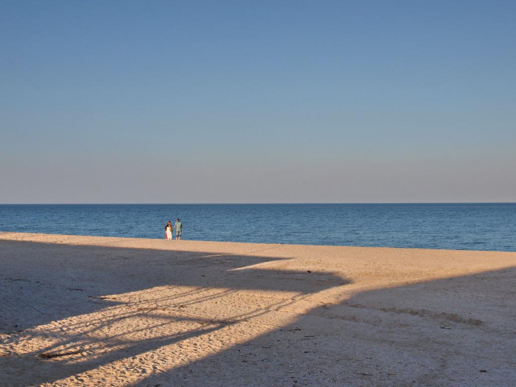 Пляж санатория в центре Кирилловки