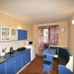 Номер «Люкс» 4-х местный двухкомнатный с кухней-столовой