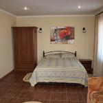 VIP-коттедж - спальня 2