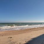 Пляж рядом с отелем - 2015 год