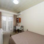 Номер «Люкс» 1-2-х местный с двуспальной кроватью ― 1, 2, 3 этаж