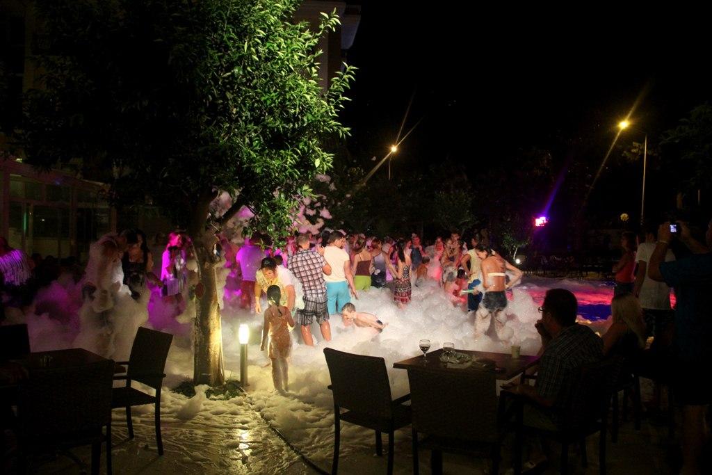 Пенная дискотека для детей. Кемер, Турция.