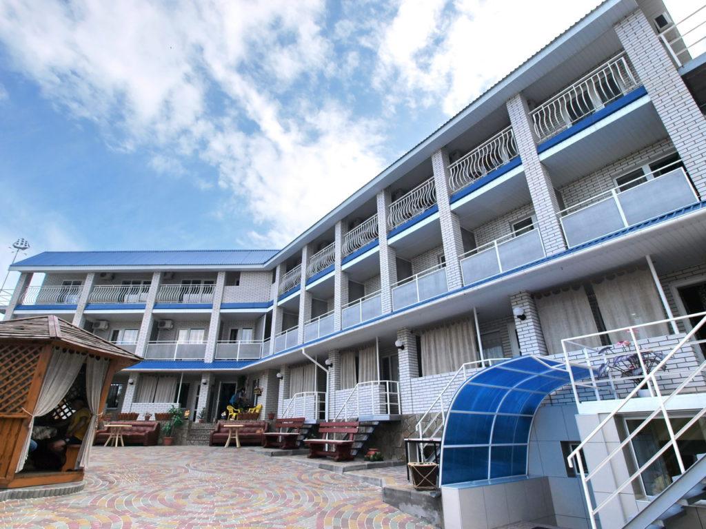 Гостевой дом «Калинина-170» в центре курорта