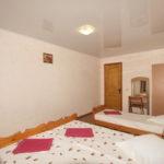 Номер «Люкс» 4-х местный двухкомнатный в корпусе, спальня