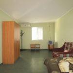Двухкомнатный домик с удобствами