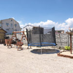 Батут и детская площадка