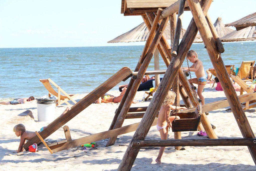 Соломенный пляж, детская площадка