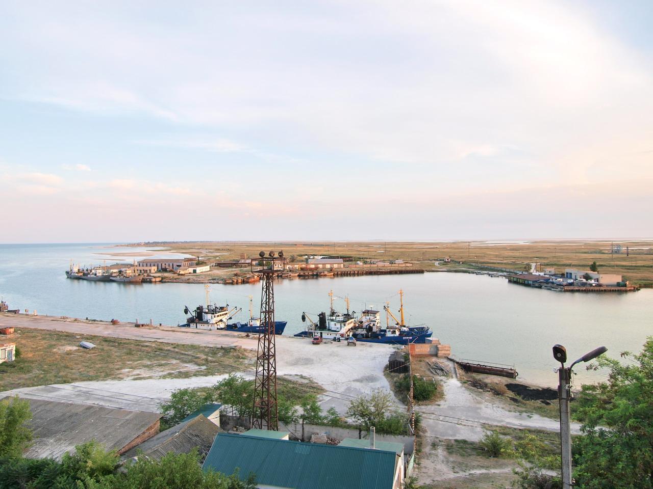 Генический морской порт