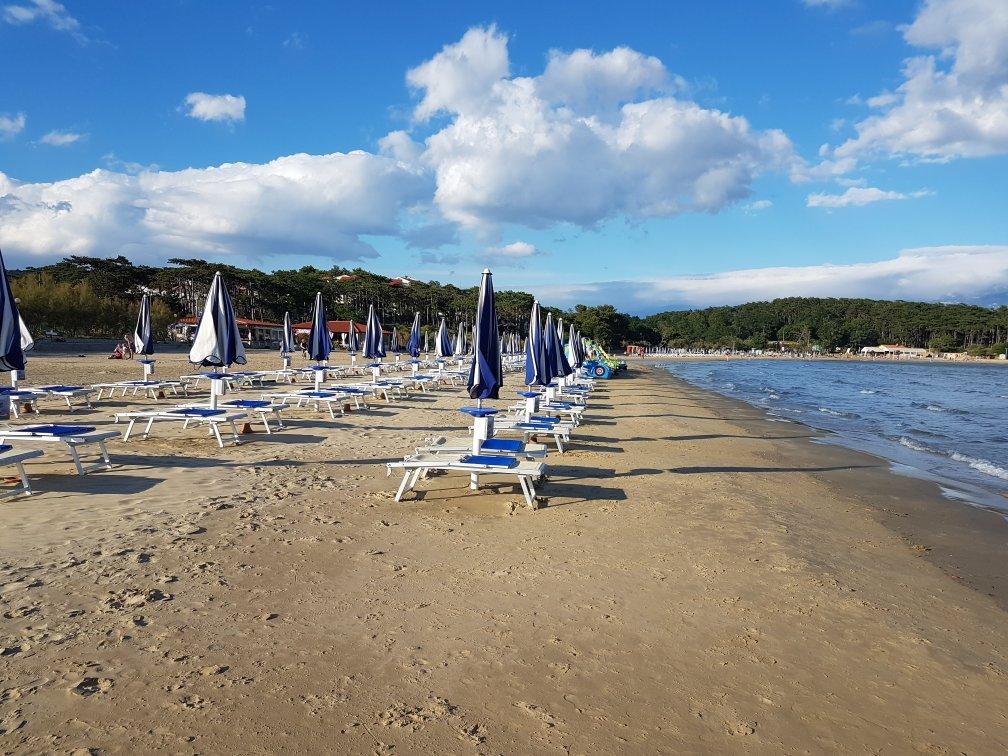 Пляж в Лопаре