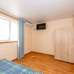 Номер «Люкс» 4-х местный двухкомнатный, 2 этаж (№17)