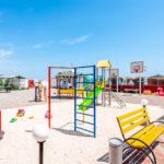 Детская площадка и тренажеры