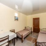 Номер «Люкс» 1-2-х местный с двумя односпальными кроватями ― 3 этаж
