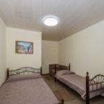 Номер «Люкс» 3-4-х местный 2+1+1 (диван длиной 1,50 м) ― 1 этаж