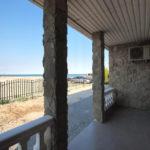 Номер «Люкс» 4-х местный 2017 года, боковой вид на море с террасы