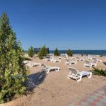 Вид на пляж и море