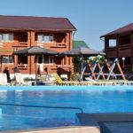 SPA-отель АННА - территория и бассейн