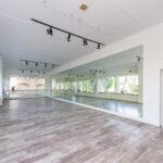 Закрытый танцевальный зал
