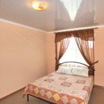 Номер «Люкс» 4-х местный с проходной спальней