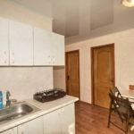 Номер «Люкс» 4-х местный двухкомнатный в корпусе, кухня