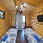 Номер «Люкс» 4-х местный двухкомнатный в деревянном срубе