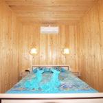Спальня в коттедже «Люкс»